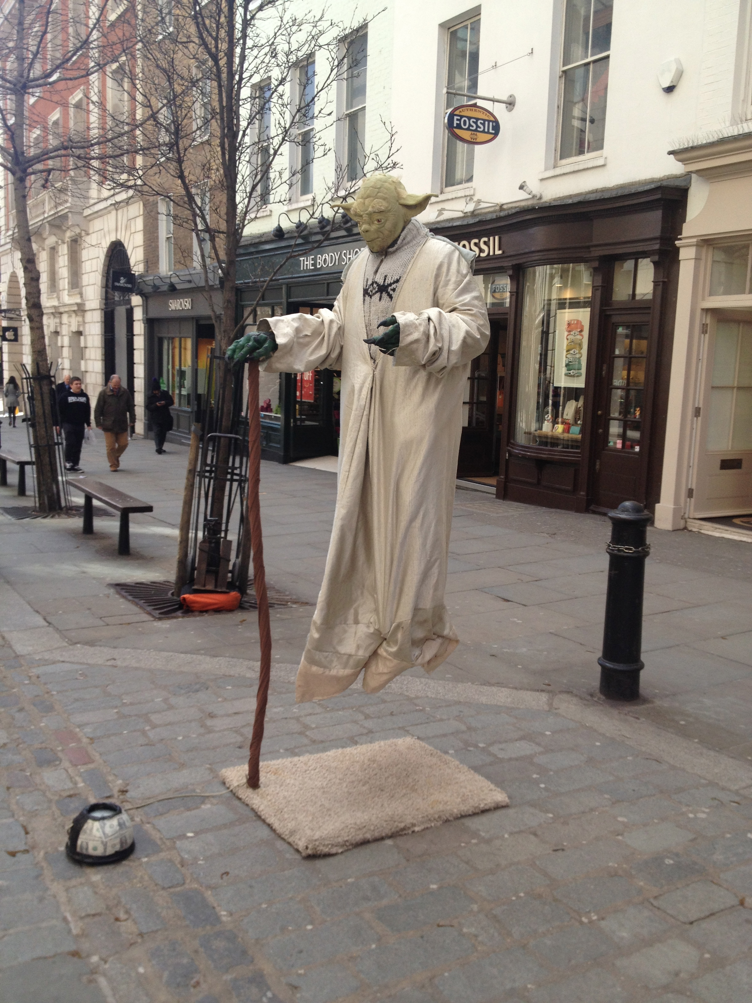 0e5d0e846 I saw Yoda levitating in Covent Garden
