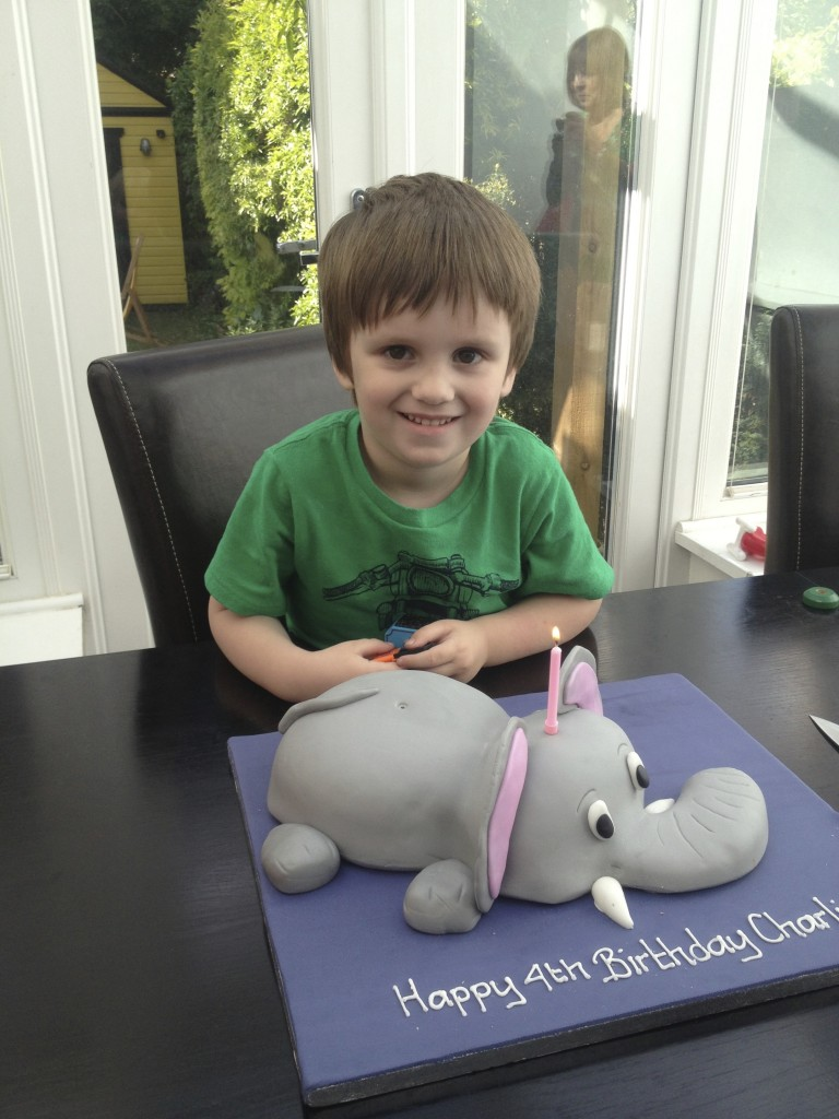 On monday my lovely little Charlie turned 4, he's still the world's fussiest eater and wouldn't even eat his cake :(
